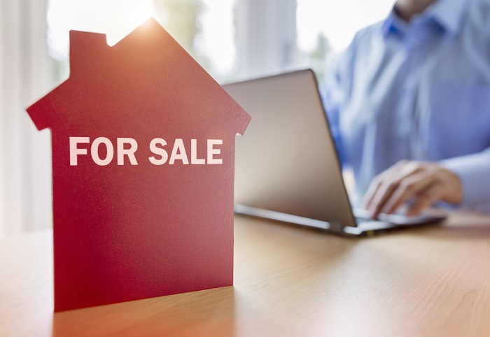 IFAs set for loyalty bonus as Saunderson House sale pulled